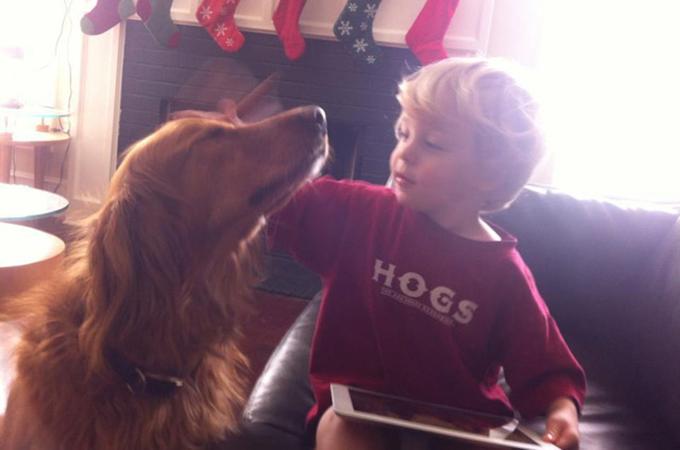 ボクたち親友だよ!犬と少年の友情を写した心あたたまる画像11選