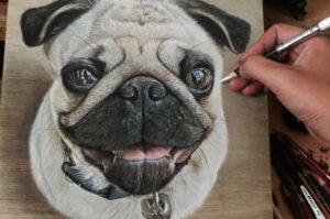 本当に実物の動物じゃなくて絵なの?!木の板に描いた動物の絵がリアルすぎる!