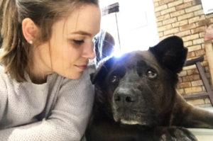 度重なる病に苦痛を感じる愛犬。そんな愛犬を痛みから開放するために、飼い主が苦渋の決断をする