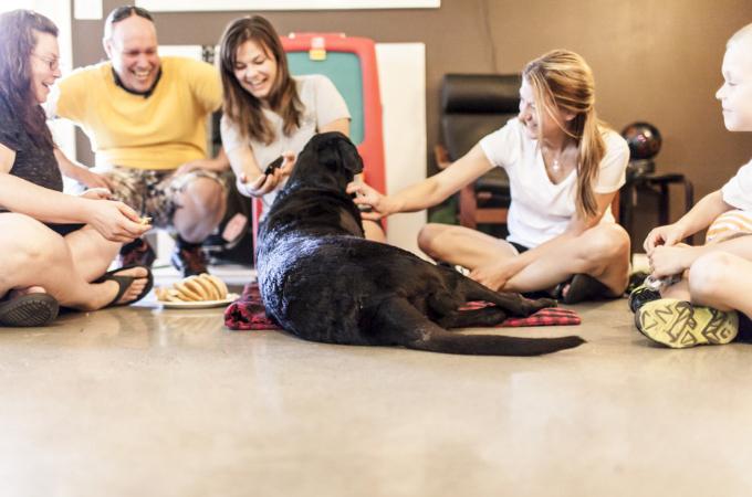 ガンにより「安楽死」という苦渋の決断をした家族。最愛の愛犬「デューク」の最後の1日の記録