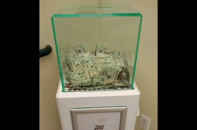動物保護施設の募金箱に匿名で大金が!その1週間後に起きたさらに驚く出来事とは!